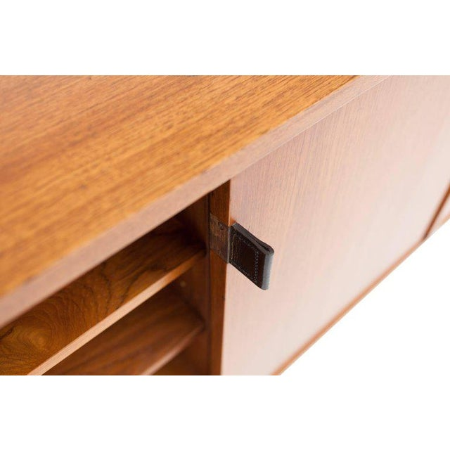 Florence Knoll Modern Credenza in Teak by Florence Knoll, Manufactured by De Coene, 1950s For Sale - Image 4 of 11