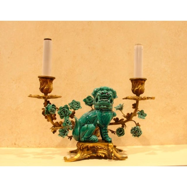 A Chinese Porcelain and French Ormolu Mounted Clock Garniture - Image 4 of 8