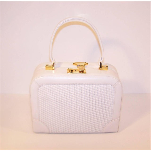 Judith Leiber C.1990 Judith Leiber White Leather Box Handbag With Convertible Handles For Sale - Image 4 of 11