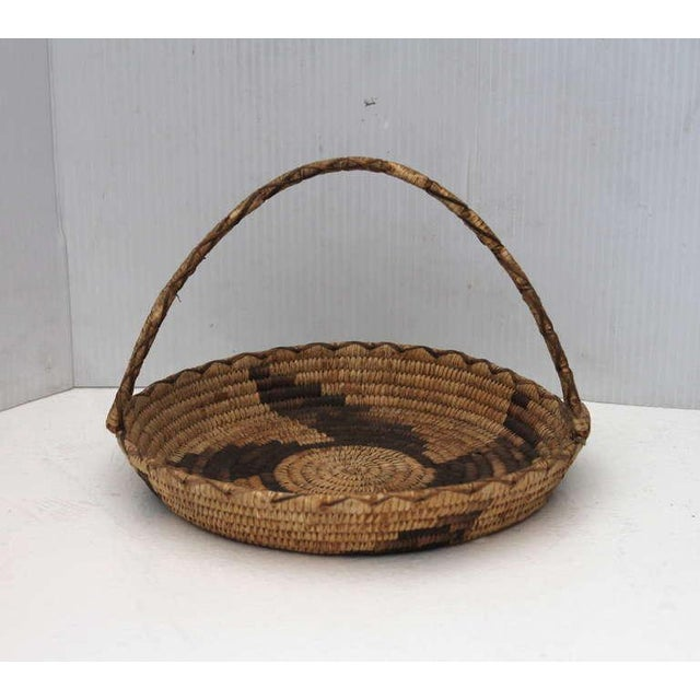 Primitive Early 20th Century Papago Indian Handled Basket For Sale - Image 3 of 8