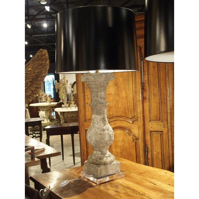 Early 20th Century Pair of Antique French Re-Constituted Stone Baluster Lamps on Acrylic Bases For Sale - Image 5 of 12