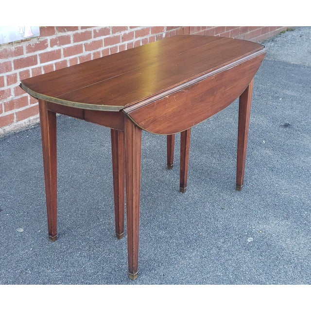 20th Century Mahogany Regency Style Brass Edge Drop Leaf Dining Room Table W/ 4 Leaves C1950 For Sale - Image 10 of 13