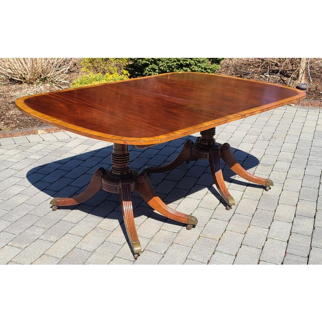 Traditional Antique 1930s Banded Mahogany Baker Furniture Double Pedestal Dining Room Table W/ 3 Leaves For Sale - Image 3 of 10