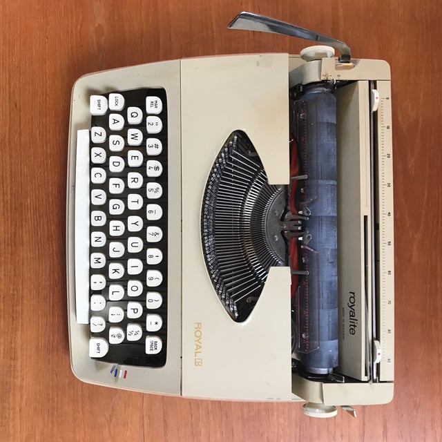 Mid-Century Royalite Typewriter With Carrying Case - Image 6 of 8