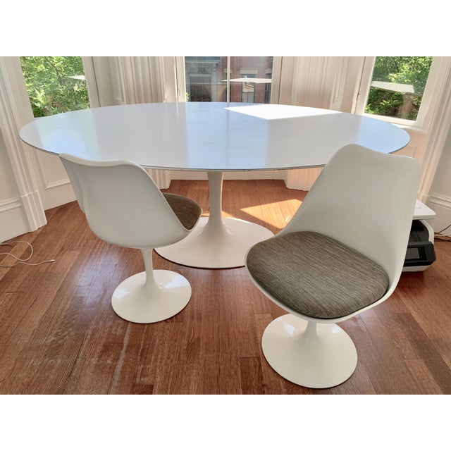 Mid-Century Modern Eero Saarinen Dining Chair For Sale - Image 3 of 5