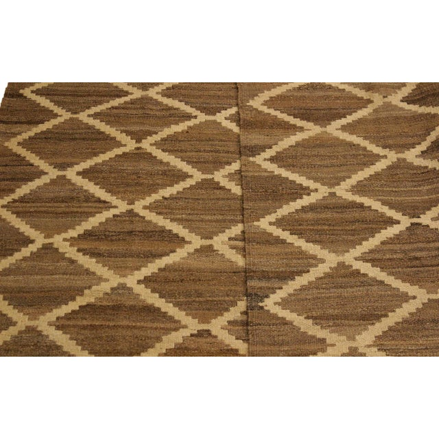 Textile Boho Chic Yestin Lt. Brown/Ivory Hand-Woven Kilim Wool Rug -5'3 X 8'0 For Sale - Image 7 of 8
