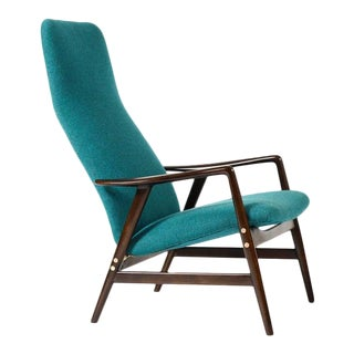 1960s Danish Modern Alf Svensson for Fritz Hansen Walnut Reclining Kontur Lounge Chair For Sale