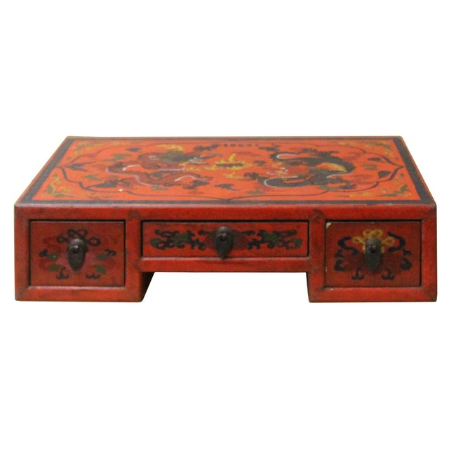 2010s Chinese Red Lacquer Graphic Table Top Stand Display Easel For Sale - Image 5 of 9