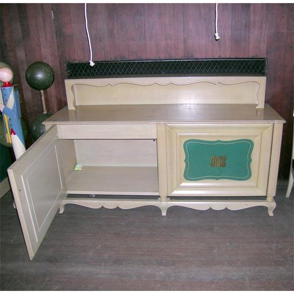 1940s Vintage Grosfeld House Buffet For Sale In New York - Image 6 of 8