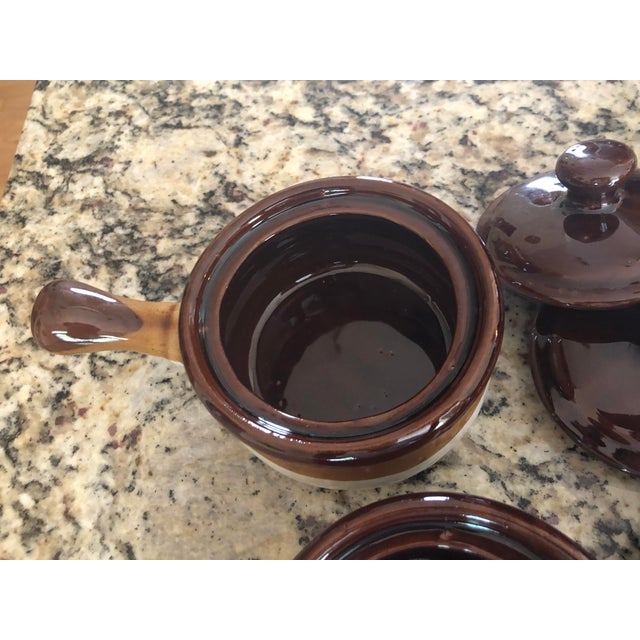 Brown Stoneware French Onion Soup Bowls With Handles & Matching Lids - Set of 4 For Sale - Image 8 of 13