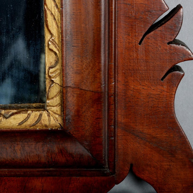 Antique Federal Chippendale Figural Mahogany & Gilt Phoenix Wall Mirror For Sale - Image 6 of 10
