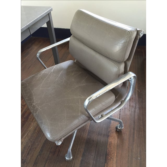 Herman Miller Soft Pad Management Chair - Image 10 of 10