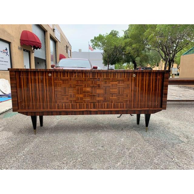 Art Deco 1940s Art Deco Exotic Macassar Ebony Sideboard/Credenza For Sale - Image 3 of 13