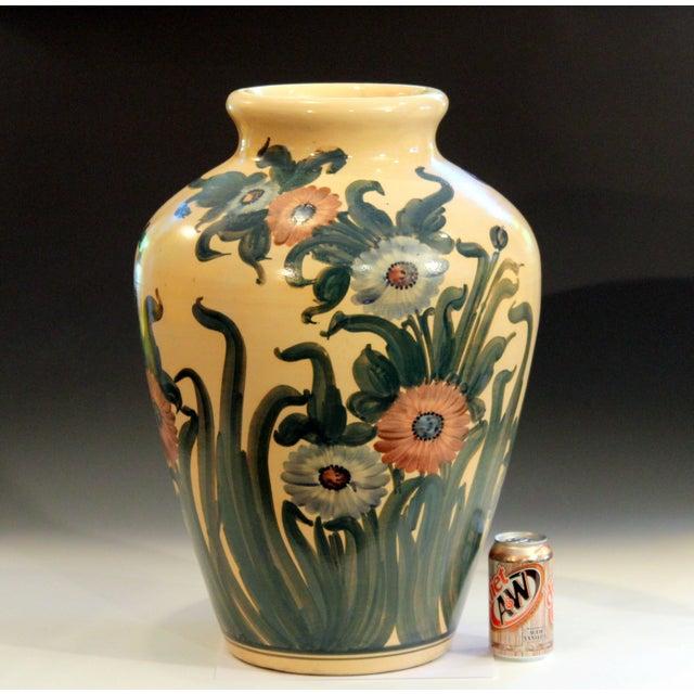 Big Rrp Co Robinson Ransbottom Roseville Garden Urn Pottery Porch Floor Vase For Sale - Image 9 of 11