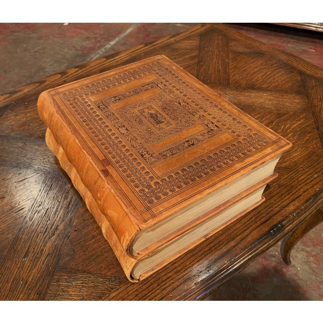 Mid-Century French Leather Bound Two-Volume Holy Bible Dated 1953 - Set of 2 For Sale In Dallas - Image 6 of 13