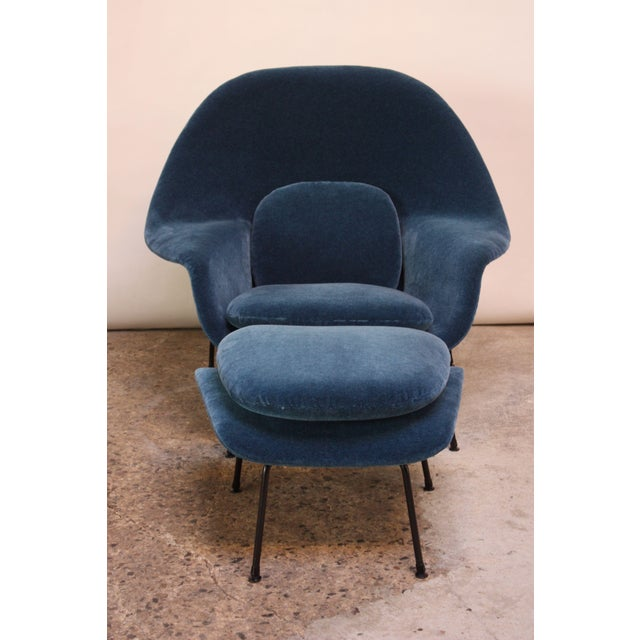 Knoll 1950s Early Production Eero Saarinen for Knoll Womb Chair and Ottoman - a Pair For Sale - Image 4 of 13