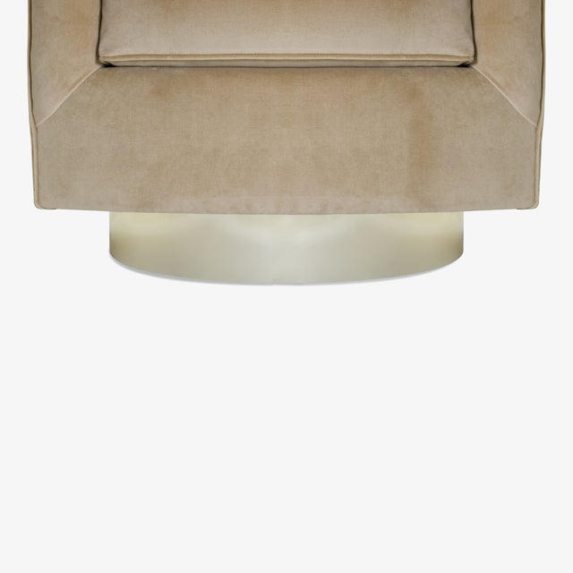 Swivel Tub Chairs in Camel Velvet With Polished Brass Bases, Pair For Sale - Image 9 of 10