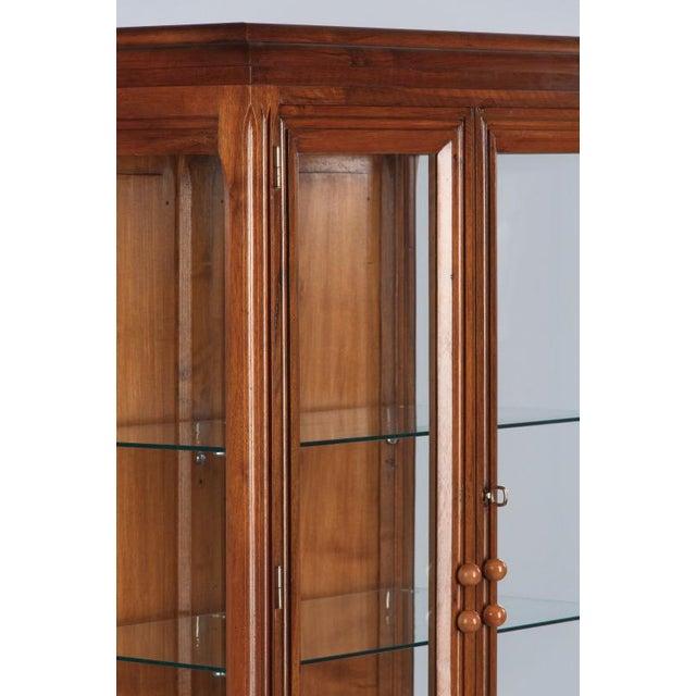 French Art Deco Walnut Vitrine/Display Cabinet - Image 6 of 11