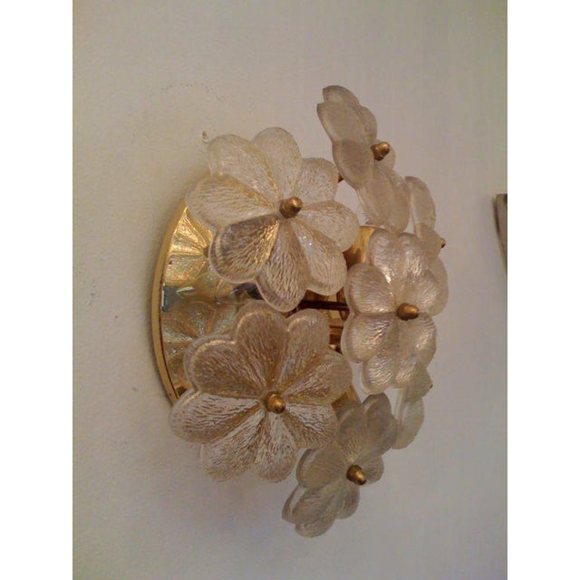 1950s Mid-Century Modern Austrian Glass Ceiling Light For Sale In New York - Image 6 of 7