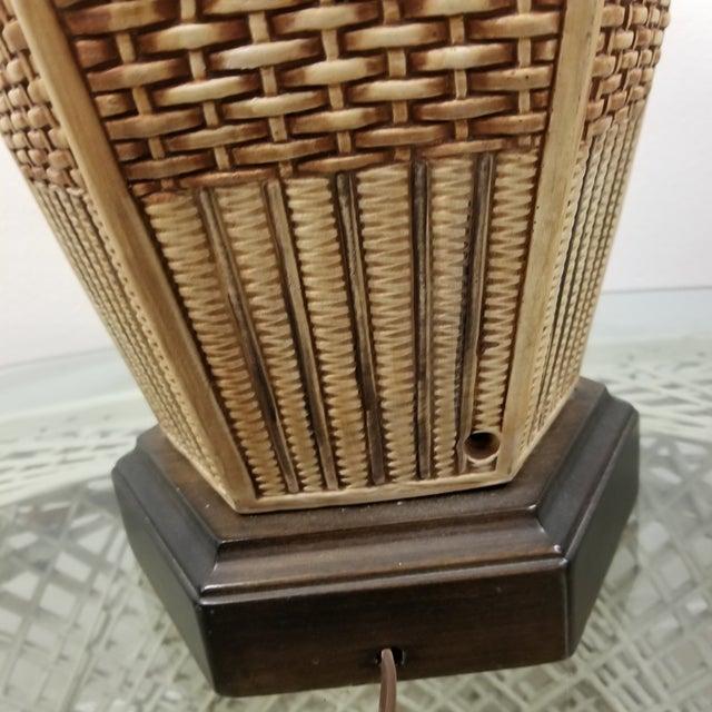Frederick Cooper Frederick Cooper Palm Beach Regency Faux Basket Weave Ginger Jar Lamp For Sale - Image 4 of 6
