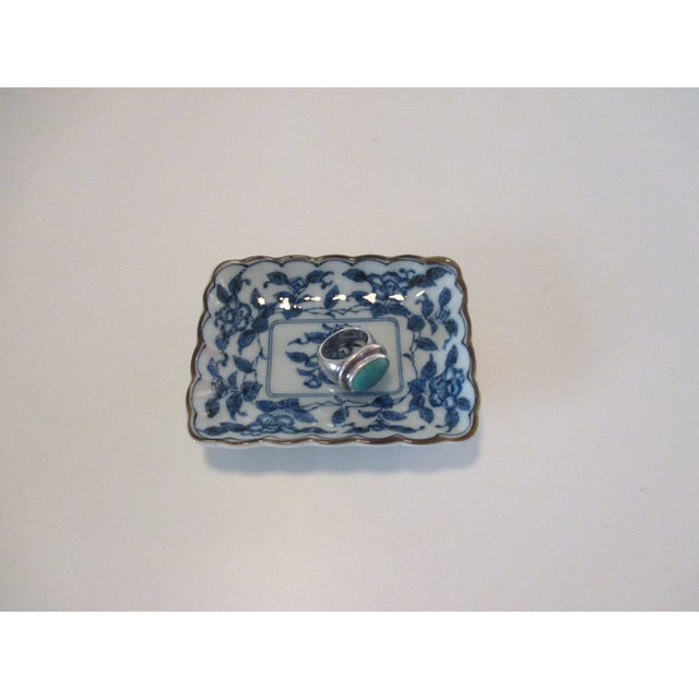 Chinese Chinese Export Trinket Dish in Blue and White For Sale - Image 3 of 6