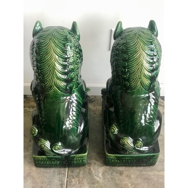 1950s Vintage Emerald Green Vintage Foo Dog Garden Statues - Pair For Sale - Image 4 of 8