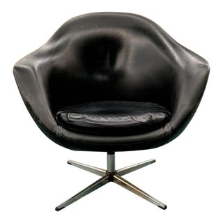 Mid Century Swivel Pod Chair - Overman For Sale