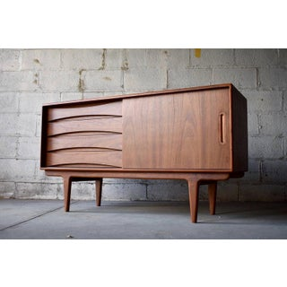 Apartment Size Mid Century Modern Teak Credenza / Media Stand Preview