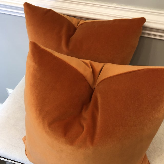 """Traditional Bright Pumpkin Cotton Velvet 22"""" Pillows-A Pair For Sale - Image 3 of 5"""