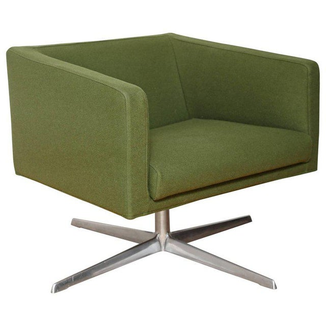 Mid-Century Modern Style Swivel Lounge Chair by Verzelloni For Sale - Image 9 of 9
