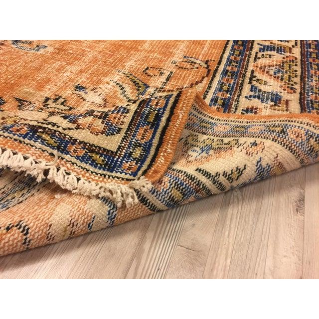 "Vintage Floral Turkish Wool Rug - 5'3"" x 8'11"" For Sale - Image 5 of 6"