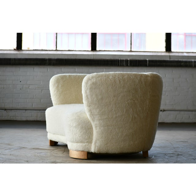 Textile Danish 1940s Curved Banana Shape Sofa in Lambswool in the Style of Viggo Boesen For Sale - Image 7 of 11