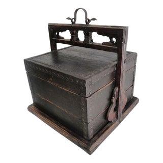 Vintage Traveling Sales Box