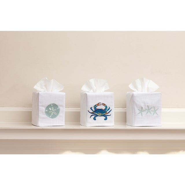 Traditional Blue Elephant Tissue Box Cover in White Linen & Cotton, Embroidered For Sale - Image 3 of 4