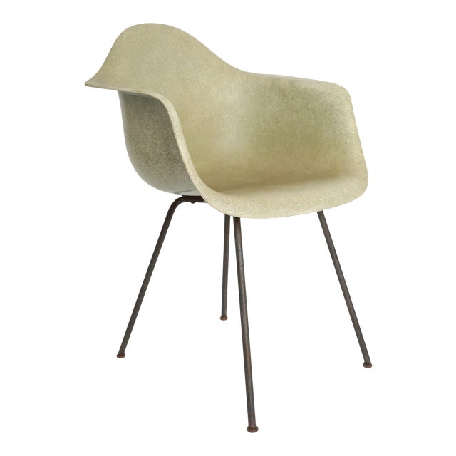 1950 1st Generation Eames Dax Shell Chair For Sale