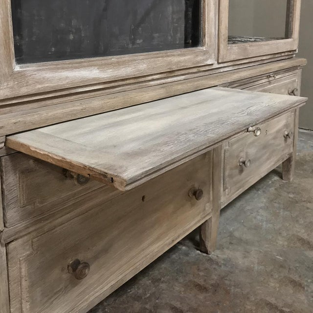 Antique French Louis XVI Whitewashed Bookcase ~ Vitrine For Sale In Baton Rouge - Image 6 of 13