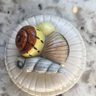 1970s Hollywood Regency Fitz and Floyd Copper Ceramic Seashell Container Preview