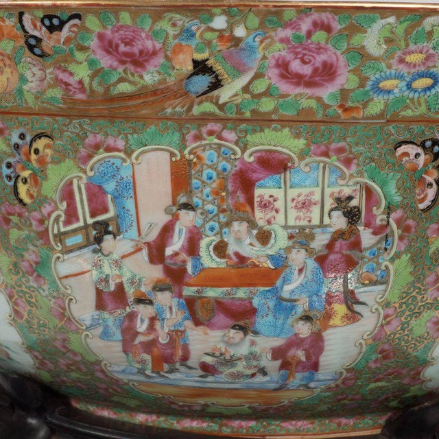 """Metal Important """"Mandarin"""" Style Rose Medallion Chinese Export Ceramic Bowl For Sale - Image 7 of 11"""