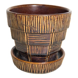 """McCoy Pottery 1940s – 1960s Small """"Brown"""" Mid-Century Flower Pot and Saucer Small For Sale"""