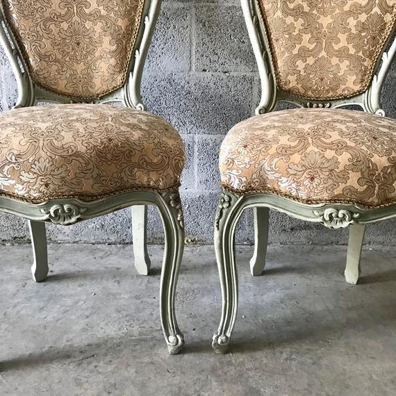 French 1900s Vintage Louis XVI Chairs- A Pair For Sale - Image 3 of 11