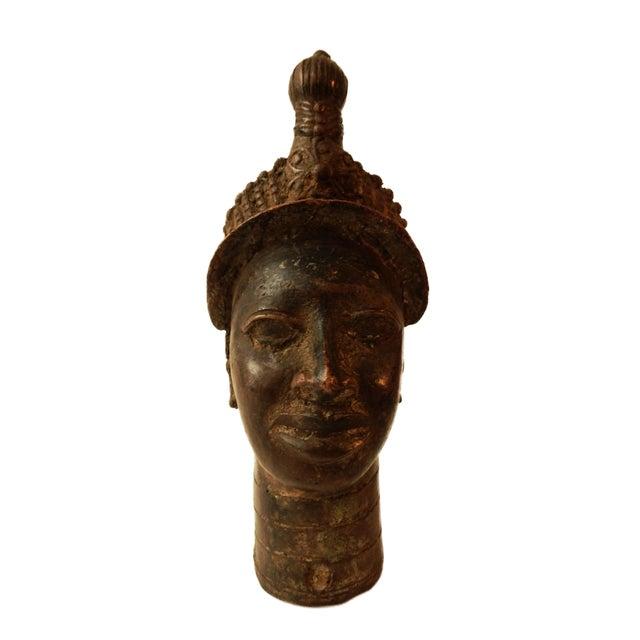 "Benin Royal Bronze Queen Mother Nigeria African 10"" h For Sale In New York - Image 6 of 6"