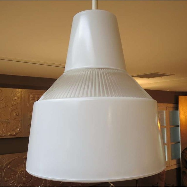 1950s Italian Ribbed Glass Hanging Pendant Lamp For Sale - Image 5 of 5