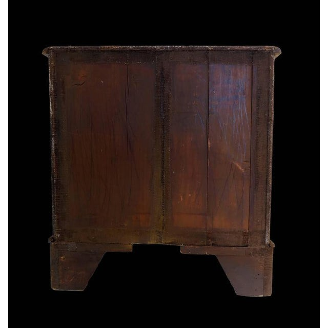 Late 18th Century English Georgian Oyster Veneer Small Chest For Sale - Image 5 of 6
