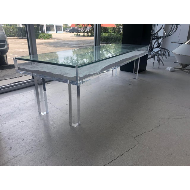 1970s Mid-Century Modern Lucite & Sliding Glass Cocktail Table For Sale - Image 9 of 11
