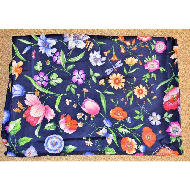 Gucci Navy Floral Silk Fabric For Sale - Image 13 of 13