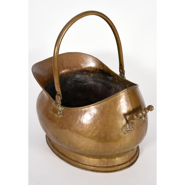 Mid-20th Century Brass Fireplace Coal / Log Bucket For Sale In New York - Image 6 of 10