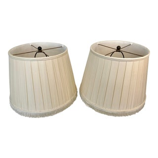 A Pair of Box Pleated Traditional Custom Paul Ferrante Cream Shades For Sale