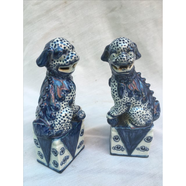 Blue & White Foo Dogs - A Pair - Image 4 of 9
