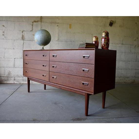 Mid Century Modern Teak Double Dresser For Sale In New York - Image 6 of 8