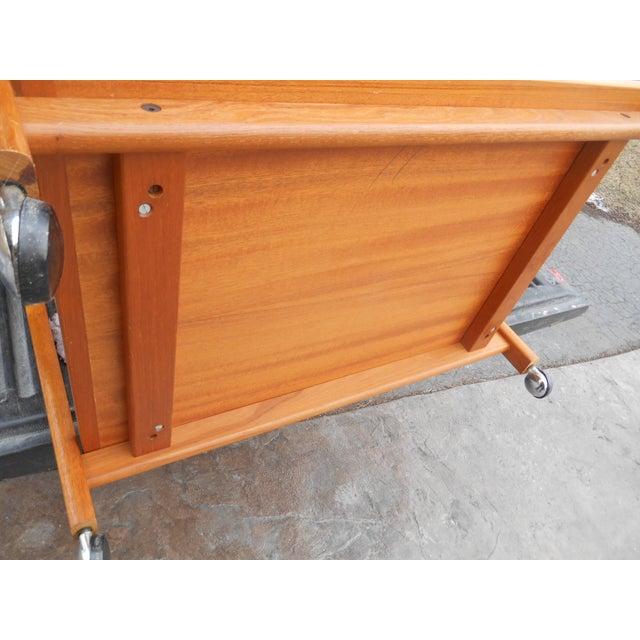 1960s Danish Modern Flip Top Teak Serving Cart / Table For Sale - Image 6 of 7